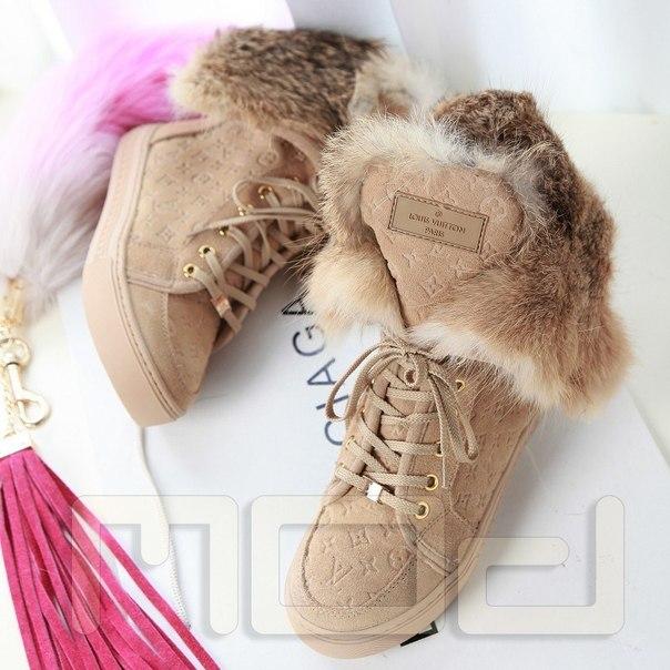 Зимние короткие сапоги LOUIS VUITTON купить недорого в интернет ... 48883474004