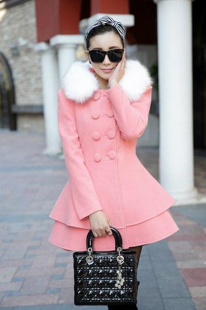 8f916ab4adf Женское пальто с меховым воротником и баской купить недорого в ...