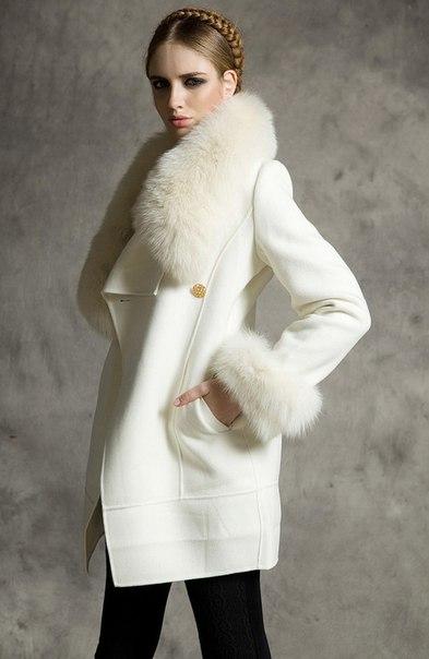 a3c3bbffd3b Женское пальто с большим меховым воротником купить недорого в ...