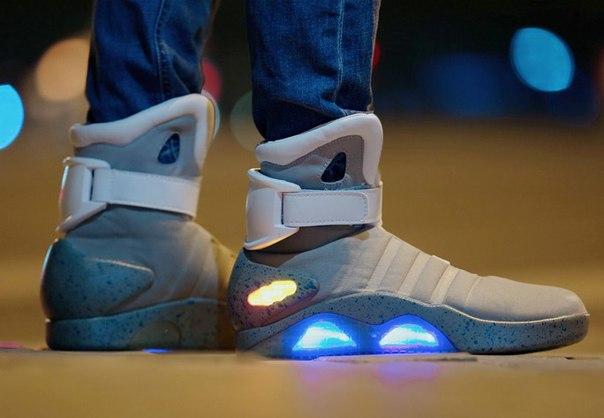 56b40d665 Высокие мужские кроссовки со светящейся подошвой Led купить недорого ...