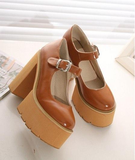 4dca406f3171 Женские стильные туфли на толстом каблуке