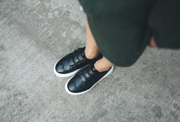 купить женские кожаные кроссовки на липучках