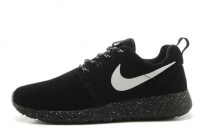 Roshe Run black wash-leather